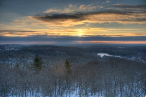 Hiking the Blue Hills Reservation is a great way to get some fresh air. // PHOTO BY DAN DVORSCAK // creative commons