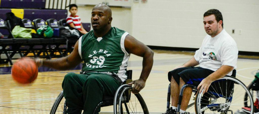 Curry hosts Paralyzed Veterans Hoopsters
