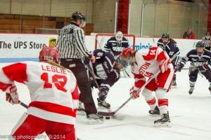 Women's college hockey is a popular sport throughout New England, including at BU and the University of New Hampshire. // PHOTO BY SARAH A.//creative commons