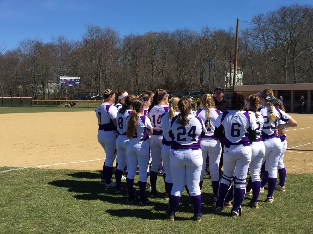 Softball Rallies to Split Doubleheader with Western New England